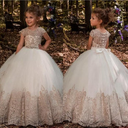 Wholesale Organza Applique Flower Girl Dress - Lovely Jewel Neck Cap Sleeves Little Flower Girl Dresses 2018 Lace Appliques Buttons Back Ball Gown Organza Girls Pageant Wear For Teens
