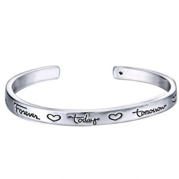 Персонализировать серебряные браслеты онлайн-New Cuff Bracelet with Inspirational letter Unique Personalized Engraved Bracelet Gifts for Friends forever Silver Charms 2016 Free Shipping