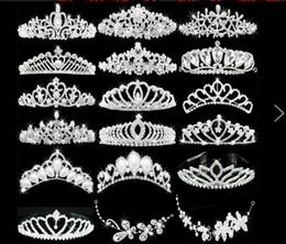 2019 accesorios para el cabello de novia de cuentas Brillante cristales moldeados coronas de la boda 2016 nupcial cristal velo tiara corona diadema accesorios para el cabello partido boda tiara caliente HT99 accesorios para el cabello de novia de cuentas baratos