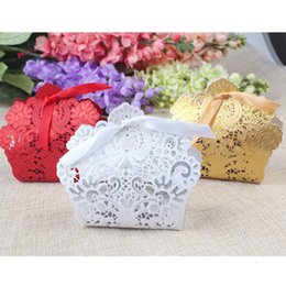 Wholesale Wholesale Laser Cut - 50pcs Laser Cut Hollow Candy Box for Wedding Gift Box Fill with Candy Sweet Chocolate Party Favor Ribbon Bags Red White Golden