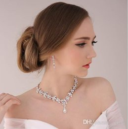 Wholesale Classic Costume Jewelry Wholesale - Costume Jewellery Pendant Necklace Earring Set Bride Wedding Jewelry Sets Brand New Good Quality Free Shipping