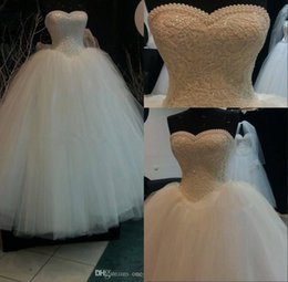 Wholesale Plus Size White Formal Gown - Pearls Sweetheart Ball Gown Wedding Dress Floor Length Lace Appliques White Tulle Formal Bridal Gown Plus Size Vestido De Noiva BO9581