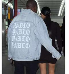 Wholesale Men S Jeans Jacket Coat - Sponge mice Mens Jeans Jacket Kanye West Pablo Jacket Streetwear Fashion Denim Jacket Hip Hop Coat