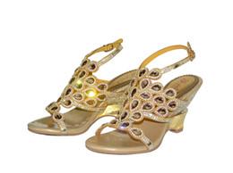 2019 sandales compensées en or mariage d'été Or Violet Chaussures De Mariée De Mariage Cristal Perles Strass Coins Style D'été Chaussures De Mode Dames Parti Chaussures Sandales Chaussures Vente Chaude sandales compensées en or mariage d'été pas cher