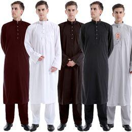 Wholesale Two Piece Men S Pants - New 2017 Muslim Men Long Sleeve Thobe with Pant Islamic two pieces Clothing Saudi Arab Moslim Jurk Clothing Mens Kaftan Thobe set