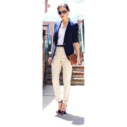 CUSTOM Giacca blu scuro pantaloni kaki donna abiti da lavoro abiti da ufficio formale giacca da lavoro femminile pantaloni eleganti pantaloni tute cheap elegant navy blue suits women da elegante blu navy si adatta alle donne fornitori