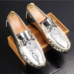 bow style wedding shoes Canada - 2017 New style Black Patent leather Loafers Men Slippers Bow Moccasins Man Flats Wedding Men's Dress Shoes Casual slip on shoes Z397