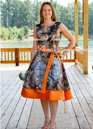 Wholesale White Tea Bridesmaid Dresses - Vintage Orange Realtree Camouflage Bridesmaid Dresses Short Camo Wedding Party Gowns Summer Style Jewel Tea Length Bride Maid of Honor Dress