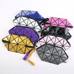 Wholesale Novelty Makeup - The New Arrival Makeup Bag Creative Geometric Mosaic Triangle Multi-function Hand Bag Pu Leather Novelty Wash Bag Free Shipping
