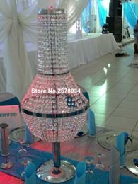 Candelabros baratos para bodas online-se enviará alrededor de 30 días) Barandillas de pasillos baratas, soporte de flores de araña de cristal para la decoración de la mesa nupcial