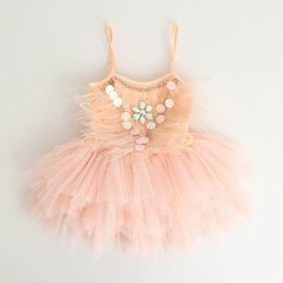 Au détail Été Nouvelles Filles Princesse Robes Plumes À Gaze Fête De Mariage Tulle Robes Enfants Vêtements 3-7 Ans YE001 ? partir de fabricateur