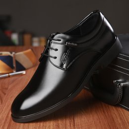 Wholesale Winter Dress For Male - Man Point Toe Dress Shoe Italian Designer Formal Mens Dress Shoes Genuine Leather Black Luxury Wedding Shoes Men Flats Office for Male 9319