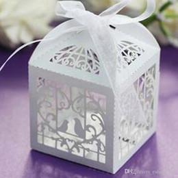 2019 caixas redondas redondas redondas Caixa de favor de festa de casamento de corte a laser de papel caixas de doces de chocolate amor gaiolas de pássaro decoração caixas de casamento