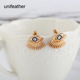 Wholesale Trendy Ear Cuffs - European Trendy Gold Color Simple Stud Earring Blue Eyes Eyelash Ear Cuff Earrings For Women Piercing Fashion Jewelry 9228