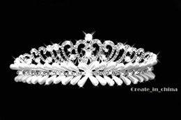 Wholesale Heart Pageant Crowns Tiaras - 2016 Vintage Crystal Pearl Tiara Bridal Hair Accessories For Wedding Quinceanera Tiaras And Pageant Rhinestone Faux Pearl Hairbands C10016