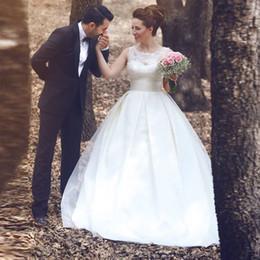 Modest Günstige Ballkleid Brautkleid Sleeveless Lace Top Vestidos de Novias Hofzug 2019 Brautkleider Durchsichtig Zurück mit Knöpfen von Fabrikanten