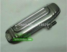 2019 дверь mitsubishi OEM: MR156875 Бесплатная доставка Серебряный металл наружная ручка двери для Mitsubishi Pajero V31 V32 V33 Jones высокое качество заводская цена скидка дверь mitsubishi
