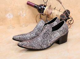 tacones de boda de plata talla 12 Rebajas Nuevos hombres de negocios de plata gris Ocio zapatos de cuero de la moda del dedo del pie puntiagudo Med Tacón antideslizante en los zapatos del banquete de boda más el tamaño 11 12
