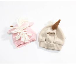 2019 gorro de lana tejido a mano Los sombreros infantiles más nuevos del unicornio Los sombreros hechos punto invierno de lana Calzan los casquillos de cobertura de la historieta Casquillo del ganchillo gorro de lana tejido a mano baratos