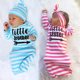 Wholesale Headband Bags - baby striped sleeping bag 2pc set twisted hat headband+sleeping bag 65cm little sister little brother letters print newborns sleeping bag