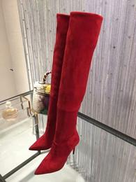 Stivali stiletto designer online-Sopra il ginocchio Stivali rossi a punta scamosciata Stivali scamosciati con tacco alto Tacchi alti Sexy Designer di lusso Stiletto Stivaletto