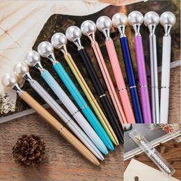 weihnachten neuheit stifte Rabatt 12 farben Mode Mädchen Perle Metall Kugelschreiber Material Escolar Bolis Escolares Neuheit für Schreibwaren Büro Schule Weihnachtsgeschenk