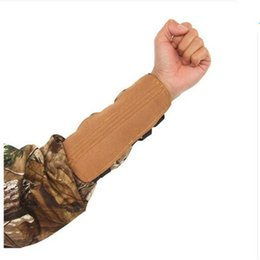 Wholesale Pink Arm Guard - 3 Straps Adjustable Archery Arm Guard For Bow Arrow Sports Hunting Shooting Microfiber Armbrand Protective Safe Gear 5 colors D