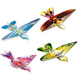 Wholesale Remote Controlled Flying Birds - Wholesale-New 2.4GHz E-Bird Remote Control Flying Bird-Flying like a real bird by flapping its wings! 66