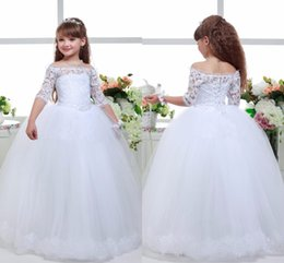 Wholesale Cute Half Sleeve Shirts - Cute Princess Flower Girls Dresses For Weddings Off Shoulder Half Sleeves Lace Applique Girls Pageant Dress Back Lace-up Tiered Party Gowns