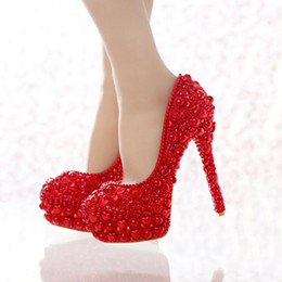 Wholesale Toe Shapes For Pumps - Free Shipping Red Pearl Wedding Shoes 2016 Newest Model Heart Shape Pearl Bride High Heels Party Prom Shoes for Mom