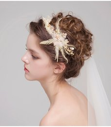 Wholesale Elegant Hair Fashion - 2017 Fashion Bridal Headdress Gold Hair Crowns Feather Pearls Hair Bands Elegant Wedding Headpieces Bridal Accessories Free Shipping New