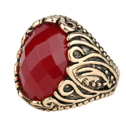 Wholesale Coral Carvings - Vintage Resin girl Imitation oval Surface blue black Gem ruby ring Red Coral agate Turquoise ring rattan vine sapphire Carving rings j253