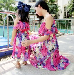 Wholesale Mother Clothes - Mother and Daughter Matching Dress 2016 Mom and Baby Girl Clothes Beach Chiffon Dress Lining Ruffle Floral Bohemian Dress Family Clothing