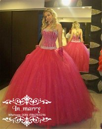 Wholesale Christmas Quinceanera Dresses - Luxury Red Ball Gown Masquerade Quinceanera Dresses 2017 Sequined Tulle Skirt Plus Size Princess Sweet 16 Christmas vestidos 15 Prom Gowns