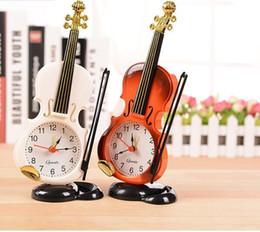 horloge de violon Promotion Violon Réveil Instrument de Création Modélisation Bureau Horloge Salon En Plastique Décoration Étudiant Bureau Horloges Horloge De Table