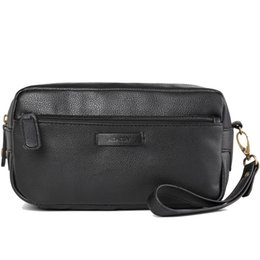 2017 Luxury Men  S Toiletry Bags Leather Dopp Kit Fashion Cosmetic Bag  Travel Kit For Women Makeup Bag Mens Shaving Bag ea5f7de8701ce