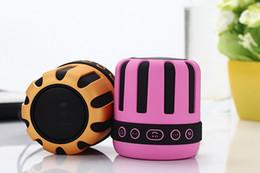 Alto-falantes ds on-line-Alto-falantes Sem Fio Bluetooth Profunda Bass Player de Áudio Portátil Mini Speaker Sound Com Rádio FM para Celulares DS-715