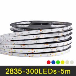 Levou luz fita branca on-line-Fita LED RGB 5 m 60 LEDs / m SMD 2835 Fita LED DC 12 V IP65 À Prova D 'Água fita Flexível Branco Quente Branco Vermelho Verde Azul Amarelo