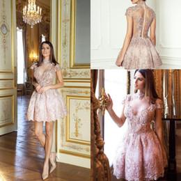 2019 elegantes vestidos de perlas de color rosa Lace Pearl Pink Short Illusion Vestidos de cóctel más nuevo elegante cuello alto Una línea Appliqued vestidos de regreso a casa vestido de fiesta rebajas elegantes vestidos de perlas de color rosa