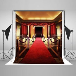 Wholesale Red Carpet Backdrops - Red Carpet Photography Backdrop for Wedding Soft Lighting Photo Backdrops Seamless No Wrinkle Wood Door Photo Studio Background J05318