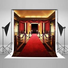 Wholesale Old Wood Background - Red Carpet Photography Backdrop for Wedding Soft Lighting Photo Backdrops Seamless No Wrinkle Wood Door Photo Studio Background J05318