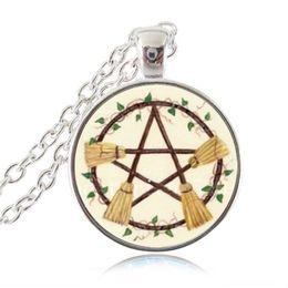 Gafas de pentagrama online-Broom Pentagram Necklace Wicca Pentáculo Colgante Wiccan star Witch Jewelry Glass Cabochon Silver Statement Collar de Cadena Mujeres Accesorios