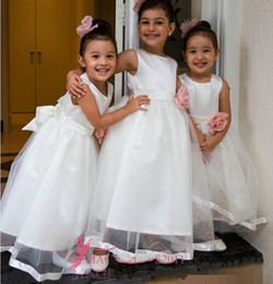 Wholesale Kids Simple Gowns - 2017 Simple Top Quality Flower Girls Dresses for Wedding Hand Made Flowers Jewel First Communion Kids Gowns Pearls Little Girl's Dress