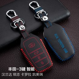Wholesale Toyota Smart Remote Key Cover - For Toyota Highlander Corolla Camry 3 Buttons Smart High Quality Hand-Sewing Genuine leather Remote Control Car Key chain Car key cover Auto