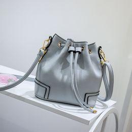 2018 New Spring litchistria bombeo con Bolsa de cubo Bolsa de hombro Messenger Bag desde fabricantes