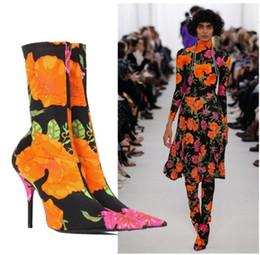 Talons aiguilles rétro en Ligne-Nouveau style Femmes Retro Floral Print Satin Bootie Bout Pointu Couvert Talon Extensible Boot Mode Sexy Stiletto Cheville Bottes Slip On Shoes Femme