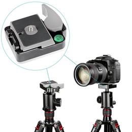 """2019 mini transmisor de cámara Aleación de aluminio universal Abrazadera de placa QR de liberación rápida de 1/4 """"para cámara DSLR con adaptador de tornillo de 1/4"""" a 3/8 """"para montar el cabezal de monopié del trípode"""