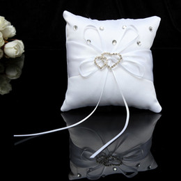 1515cm Fashion White Satin Bridal Wedding Ceremony Ring Bearer Pillow Cushion Crystal Double Heart Pillows Dropshipping Uk