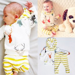 Wholesale Girls Pajamas Size - Xmas Baby Clothing Set Christmas Pajamas Kid Clothes Toddler Outfit Reindeer Shirt Hoodie Top Striped Pants Boutique Boys Girls Tracksuit