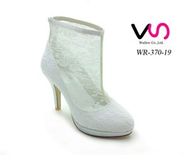 Wholesale White Lace Wedding Bridal Boots - Fashion White Lace Bridal Wedding Boots Shoes Mid Heels Knee Length Cowgirl Bridal Boots Custom Made Fall Winter Black Lace Long Shoes